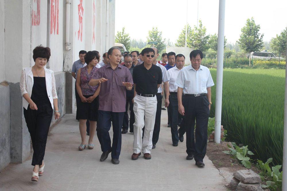 中国农科院副院长王韧、新乡市市长王晓然、新乡县等领导调研公司科技创新园